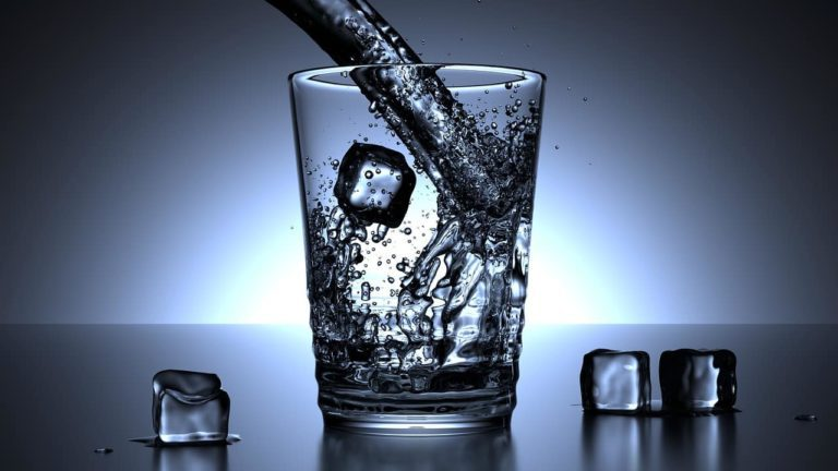 4 Ways Water Controls How Much You Eat